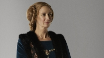 Janet McTeer steals some of the more dramatic scenes as Jacquetta Woodville.