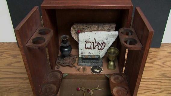 dybbukbox